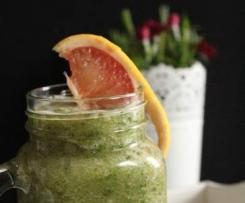 napój z jarmużu, gruszki i grejpfruta
