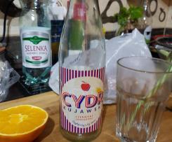 CYDRowy napój z whisky