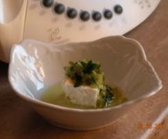 Ser biały pod zieloną kołderką