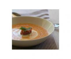 Wykwintna zupa z lososia wedzonego