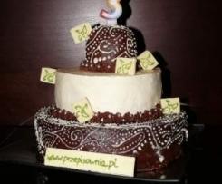 Tort mocno czekoladowy z owocową nutą