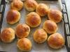 Bułeczki słodkie nadziewane wiśniami
