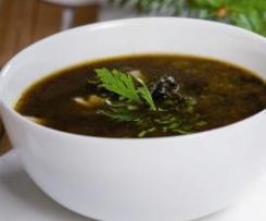 Zupa grzybowa - bez mąki, z większą ilością przypraw i ziołami