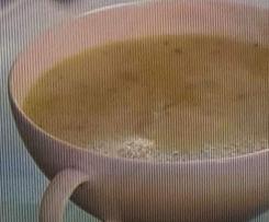 Zupa z cukinii i serka brie