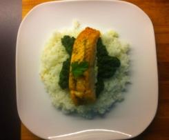 Łosoś ze szpinakiem na chmurce z ryżu