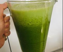 Lemoniada ananasowo-pietruszkowa bez cukru