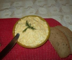 Pasta serowo jajeczna  z czosnkiem