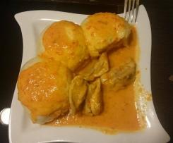 Kurczak na parze i sos na mleku kokosowym z papryką
