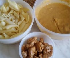 Wariant Filet z kurczaka w kremowym sosie warzywnym z pieczarkami