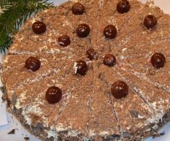 Tort czekoladowy z masą mascarpone z wiśniami