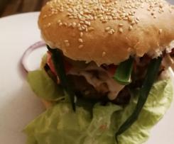 Wariant Wariant Domowe hamburgery z sosem