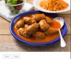 Greckie klopsiki w sosie pomidorowym i ryżem (soutzoukakia)