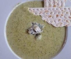 Zupa-krem z brokułów z topionym serkiem