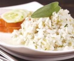 Pierś z indyka z ryżem i ogórkiem