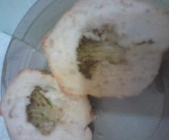 Bułki nadziewane brokułami