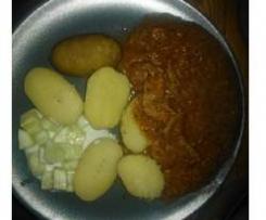 Gulasz Węgierski z kartoflami - czyli jadło dla seściu owiecek