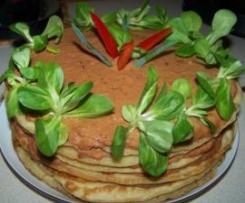 """Wariant Szpinakowo-""""ruski"""" tort naleśnikowy - z pomidorami i pasztetem :)"""