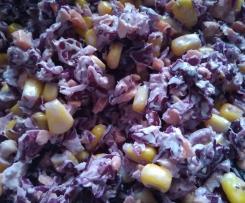 Surówka z czerwonej kapusty z kukurydzą