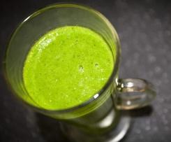 Zielony koktajl ze szpinakiem i imbirem