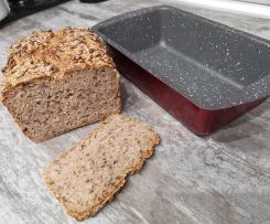 Chleb na zakwasie z ziarnami