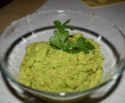 Puree z zielonego groszku z dodatkiem innych warzyw