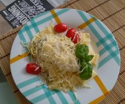 Caulifredo-makoron z sosem kalafiorowym