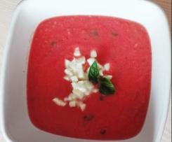 Aromatyczny chłodnik z pomidorów