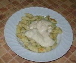 Kopytka ziolowe z sosem porowym