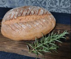 Chleb pszenno żytni na drożdżach z dodatkiem zakwasu z buraków.