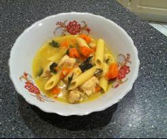Zupa z kurczaka z curry