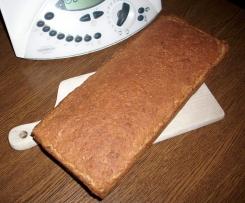 Chleb orkiszowy z otrębami i żurawiną