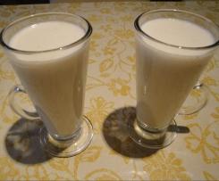 Mleczno-śmietankowy napój bananowy