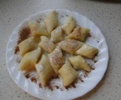 Wariant Kopytka na słodko ze śmietaną icynamonem