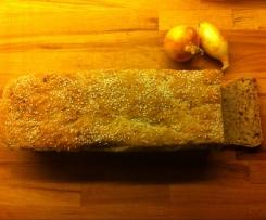 Chleb z otrębami i smażoną cebulką