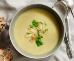 Zupa z  pietruszka i Jabłkiem * lekko pikantna