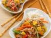 Ryż z warzywami gotowanymi na parze z sosem słodko-kwaśnym