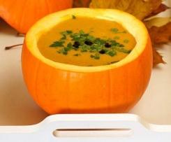 Zupa krem z dyni z imbirem i mleczkiem kokosowym