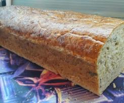 Pyszny chleb pszenny z ziarnami